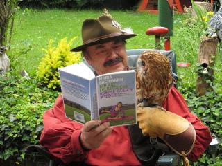 Waldkauz liest mit...
